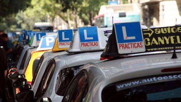 Accidente con coche de autoescuela cuando realizabas prácticas o cuando te estabas examinando de la parte práctica