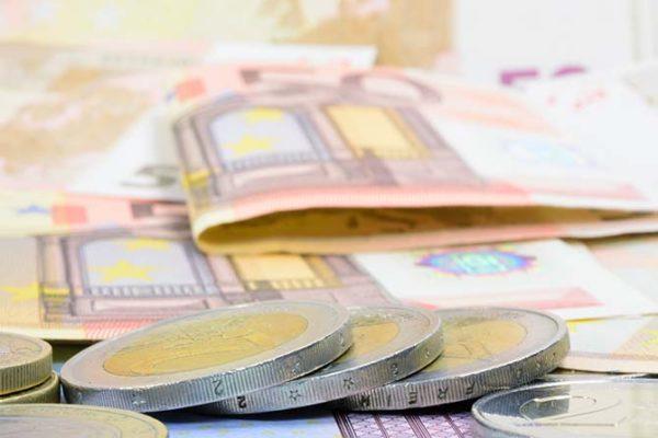 Imagen euros por indemnización accidente de tráfico